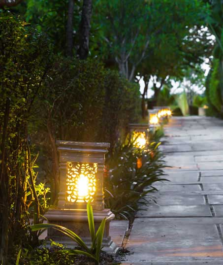 John And Floyd Lawn Care Services, Inc Residential Landscape Lighting